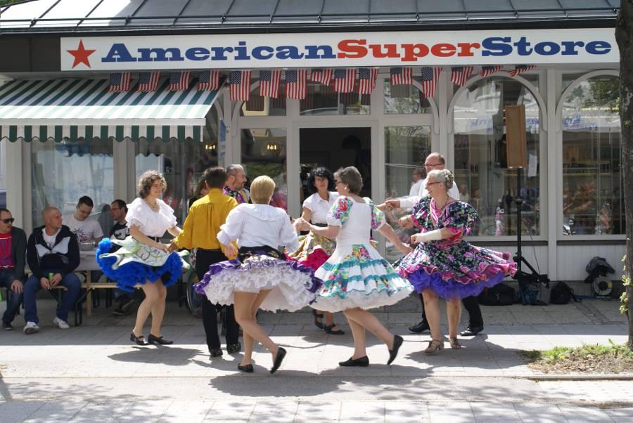 Geschäft in Waldkraiburghttp://www.trendjumpers.de/OEffnungszeiten-AmericanSuperStore